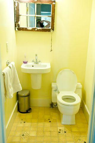 Bathroom-yellow