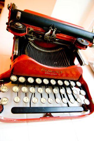 Typewriter-red