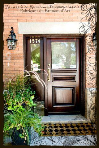 Front-Door-Bank